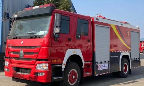 豪沃泡沫消防车 8吨