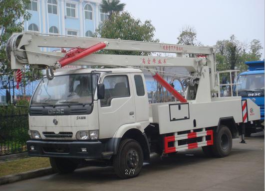 东风多利卡排半18米高空作业车