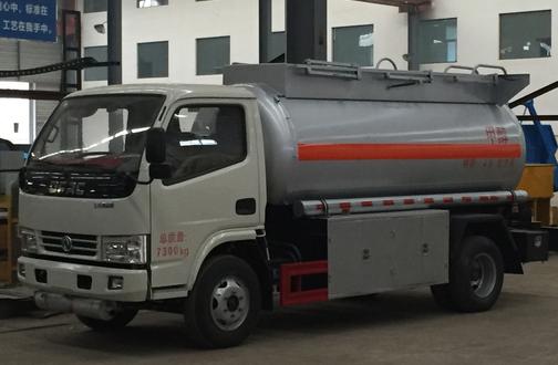 锐铃易燃液体罐式运输车