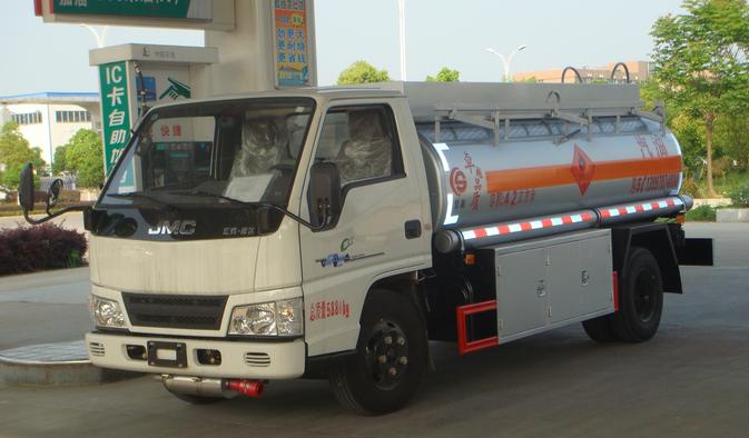 江铃5方加油车