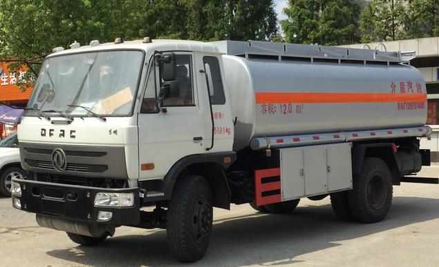 东风10吨运油车