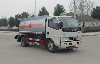 东风多利卡4.8立方甲醇运输车