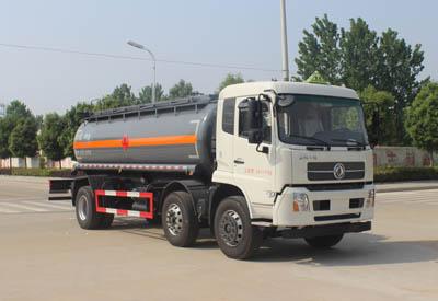 东风小三轴18.5m³易燃液体罐式运输车