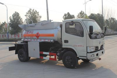 东风小型1.9立方易燃液体罐式运输车