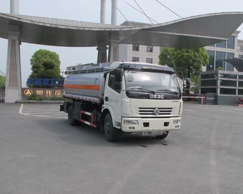 东风多利卡8方食用油运输车(国五)