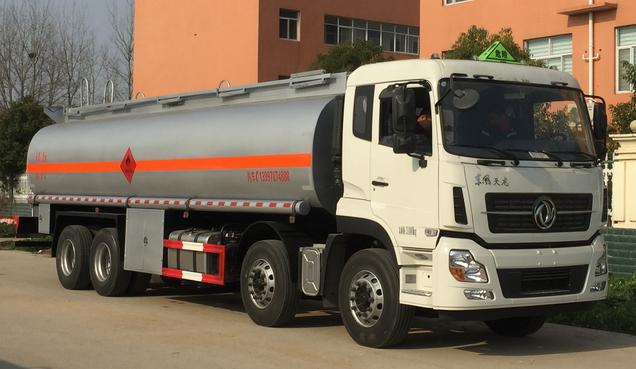 东风前四后八20.7立方易燃液体罐式运输车