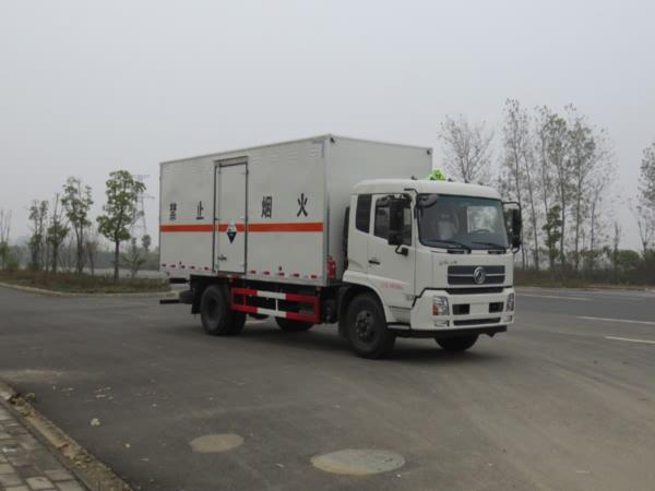 东风天锦腐蚀性物品厢式运输车