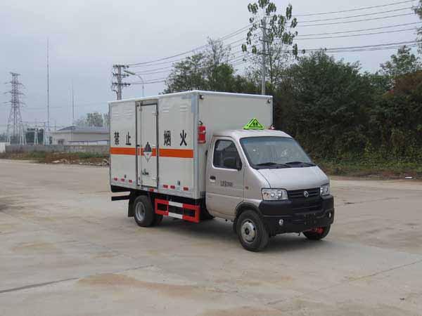 国五东风小型3.35米9类危险品运输车