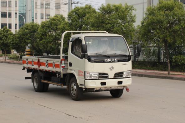 国五 柴油机3.5米气瓶运输车