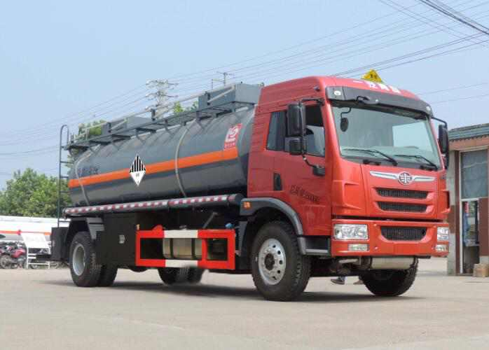 解放单桥8.9方8.6吨危险废物罐式运输车