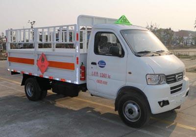 东风俊风3.3米气瓶运输车