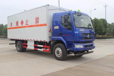 柳汽乘龙6.6米爆破器材运输车